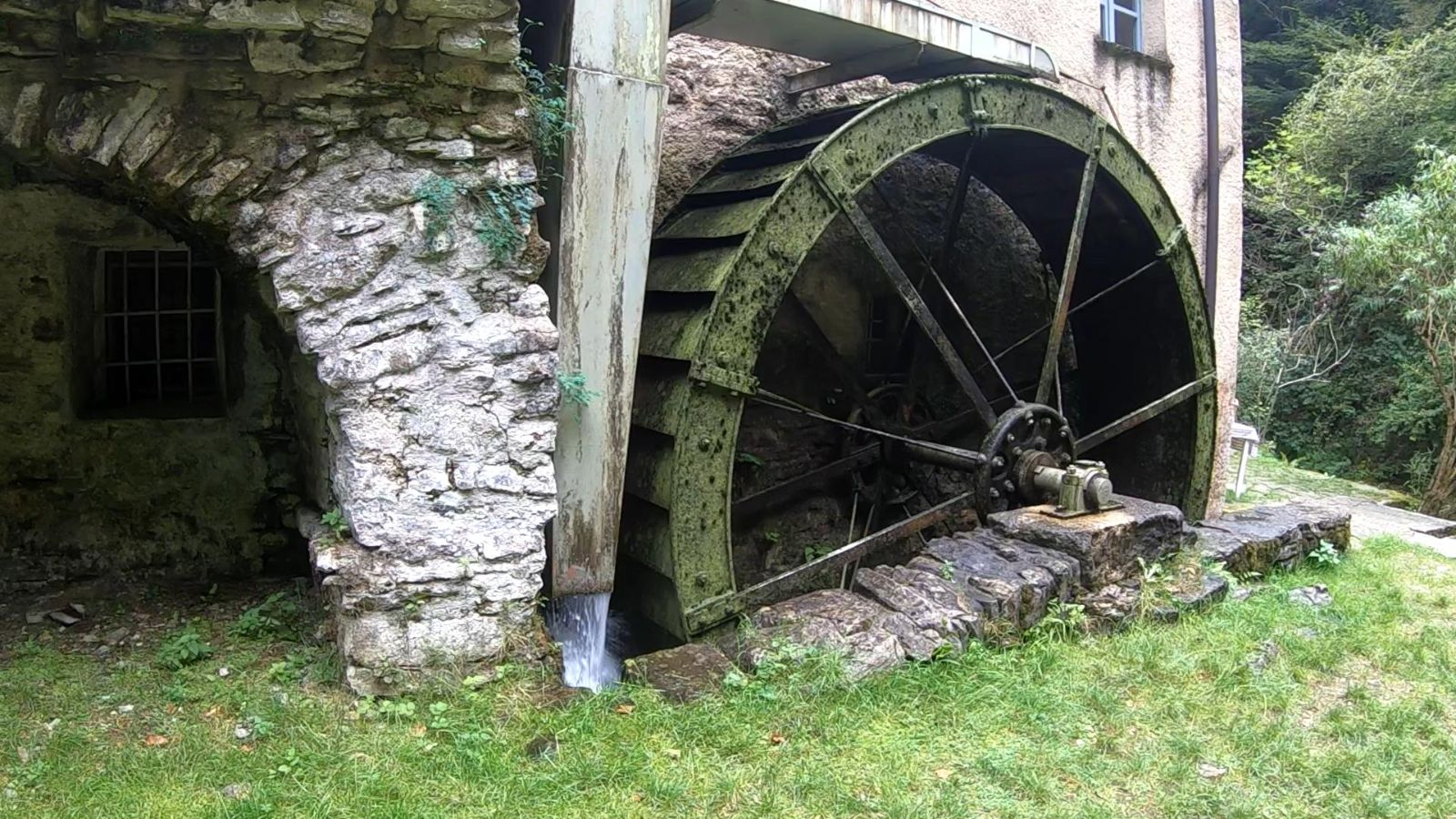 The Bruzella mill, from prehistory to the wheel.
