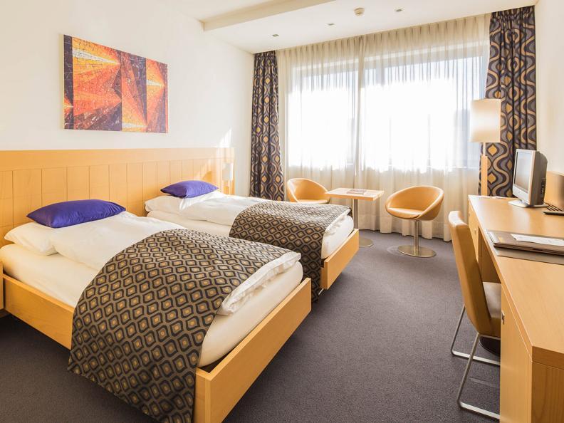 Image 1 - EspoCongressi Hotel Coronado