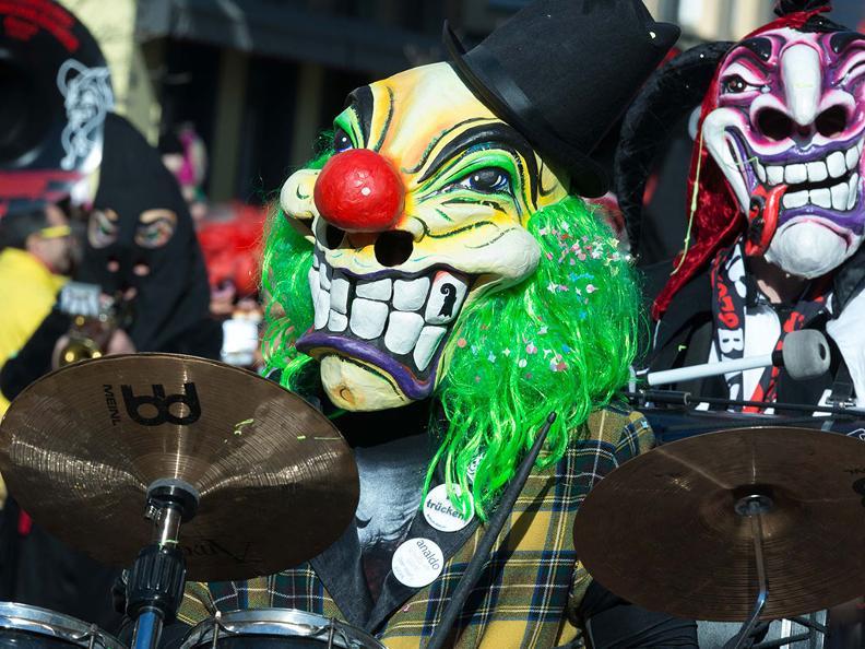 Image 3 - Carnaval au Tessin 2021