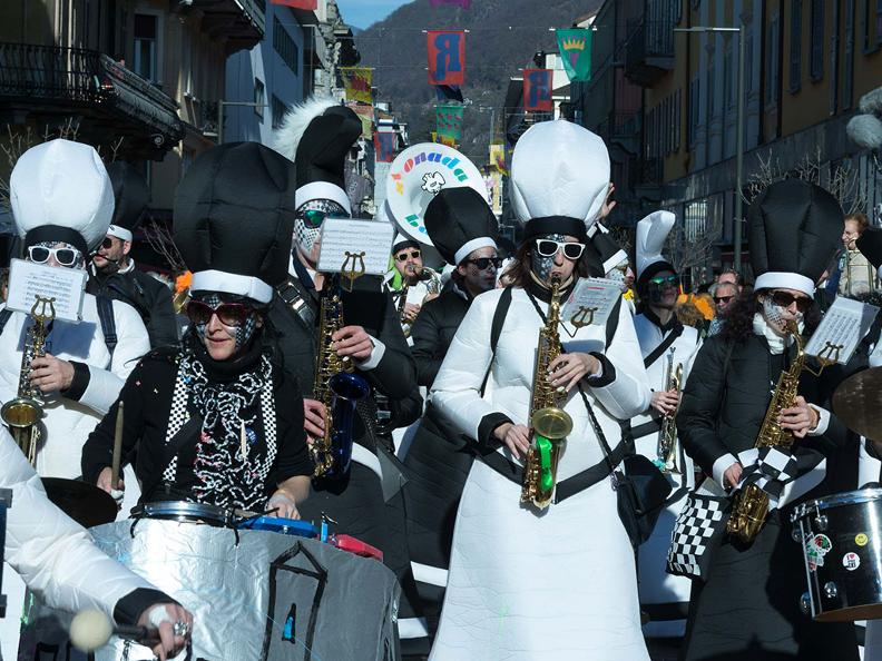 Image 4 - Carnaval au Tessin 2021