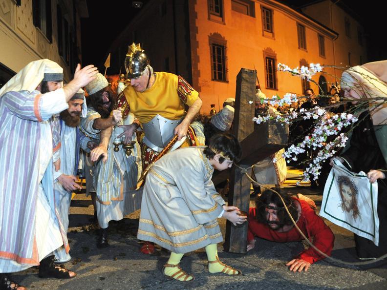 Image 4 - Prozessionen in der Karwoche in Mendrisio