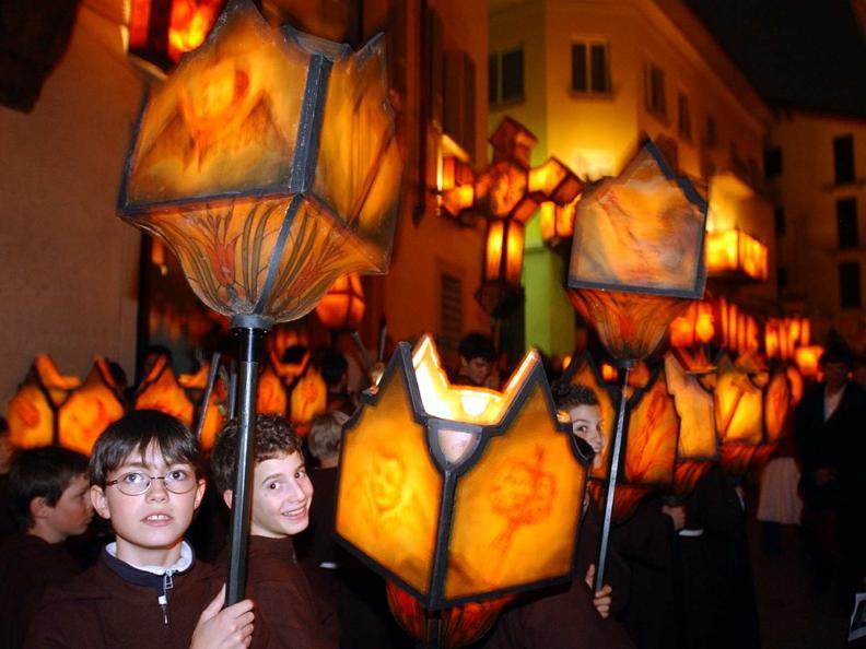 Image 10 - Prozessionen in der Karwoche in Mendrisio