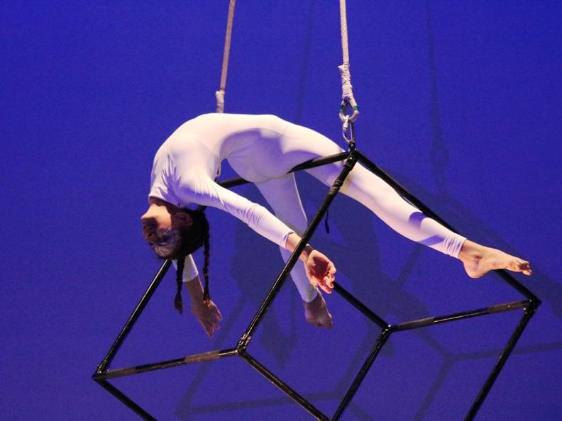 Image 0 - Spettacolo della Scuola Circo Lidia Golovkova