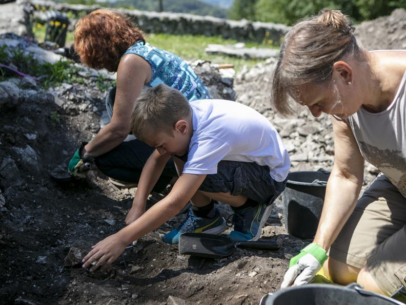 Image 3 - Parco archeologico di Tremona – Castello