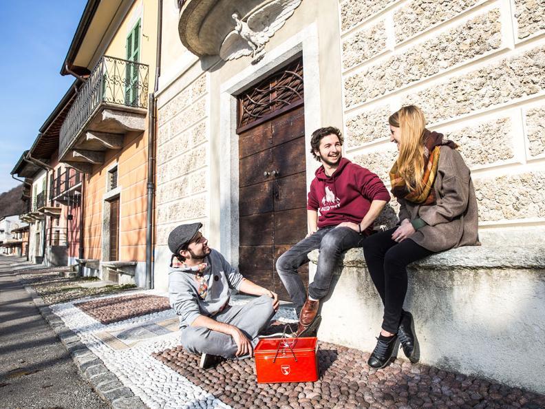 Image 6 - Acquista lo snack-box griffato Grand Tour