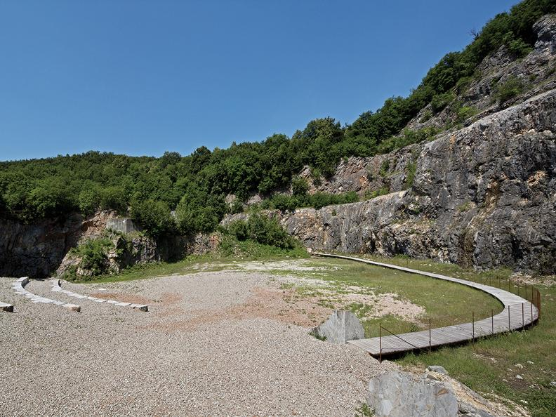 Image 9 - Arzo quarries
