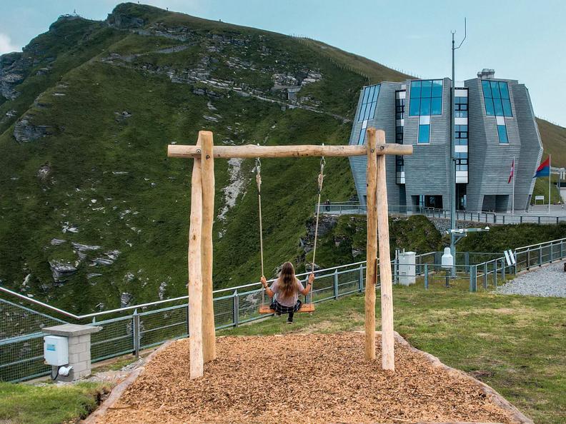 Image 1 - Swing the world: un'altalena panoramica sul Monte Generoso