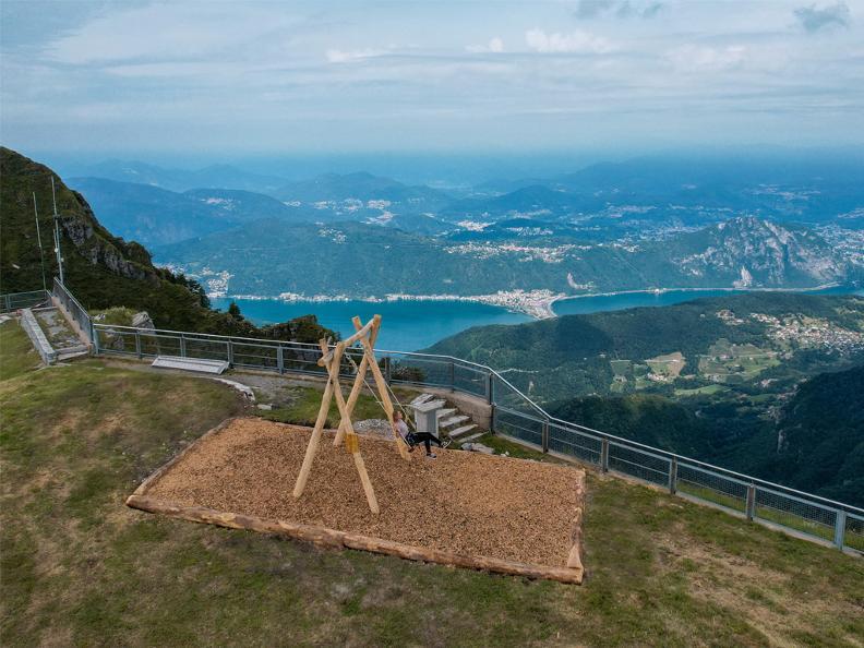 Image 0 - Swing the world: un'altalena panoramica sul Monte Generoso