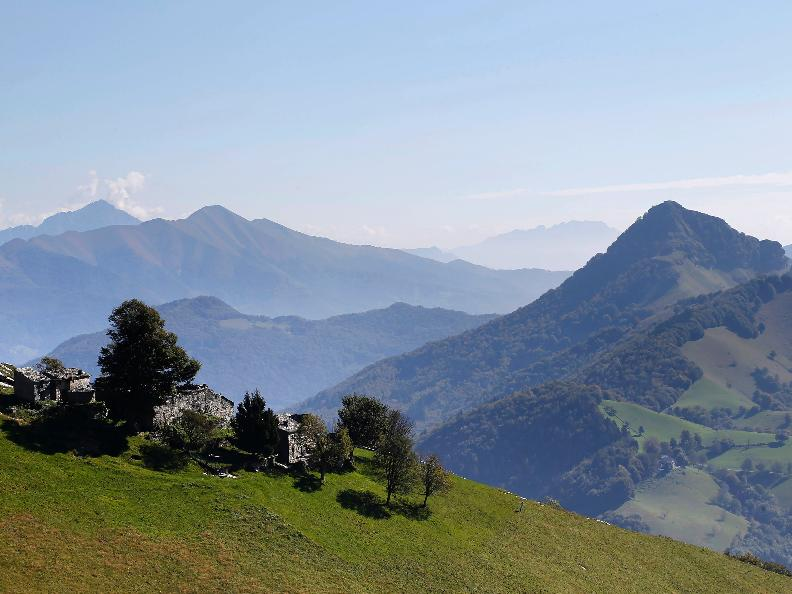 Image 0 - Discovering the Monte Generoso nevère