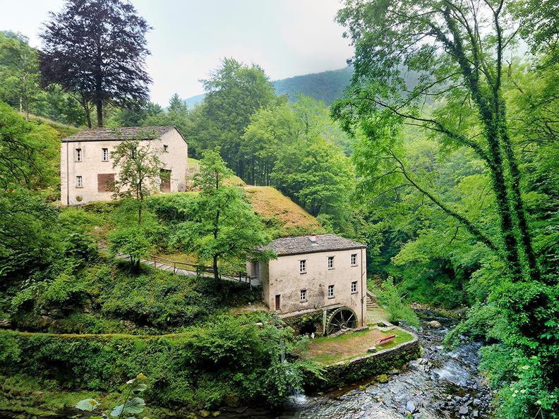 Image 1 - Round trip to Muggio Valley