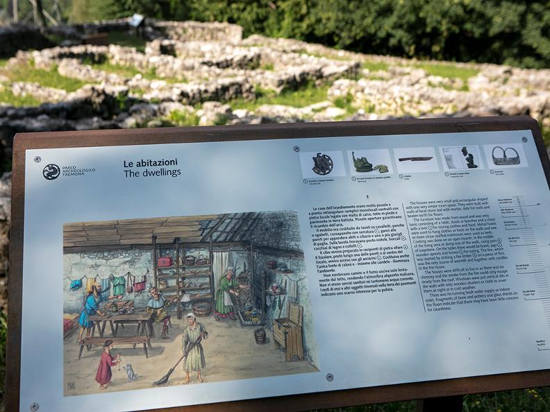 Image 2 - Le village médiéval de Tremona