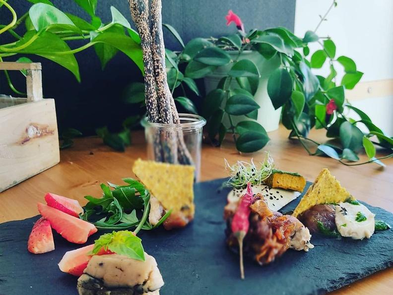 Image 0 - Aquafaba restaurant & TakeAway