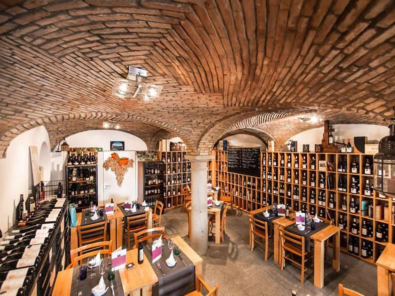 Image 0 - Ristorante Atenaeo del Vino